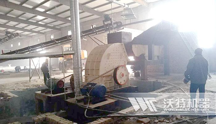 大型重锤碎石机投入用户施工生产